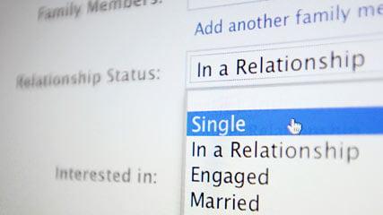 Amor irreal: compañía crea novias virtuales para ti en Facebook