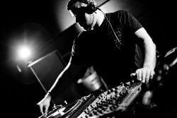 Buzztrack: Chris Wood & Meat / Back Down