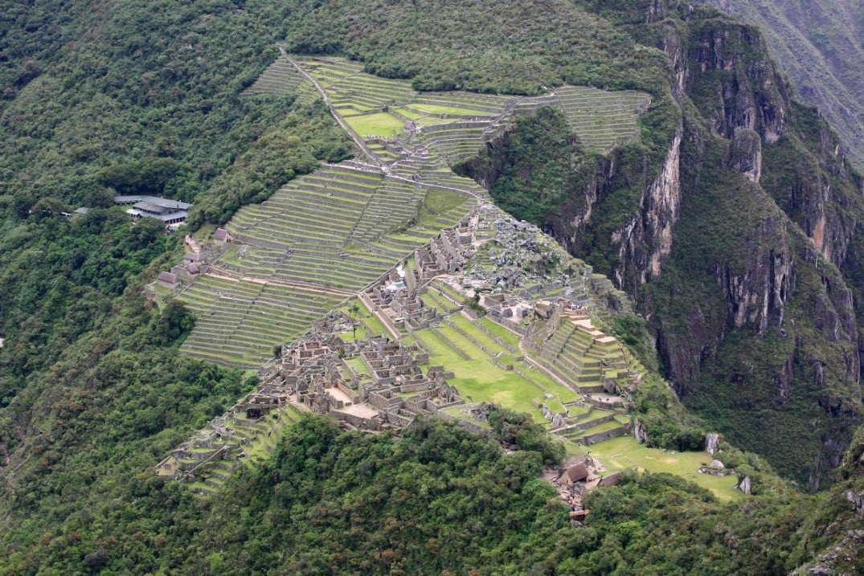 2009_01_29_4_Views_from_Wayna_Picchu_looking_back_at_Machu_Picchu_Peru_25.1