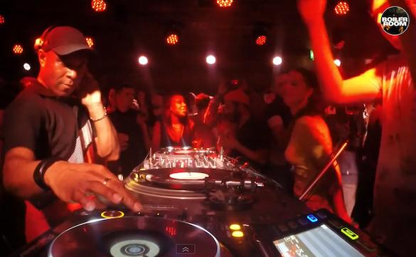 Video: 3 horas de cocción del legendario DJ EZ