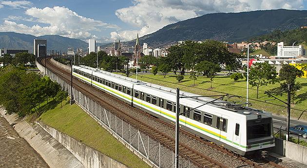 Metro de Medellínaspectosjunio 2012CAMARA LUCIDA