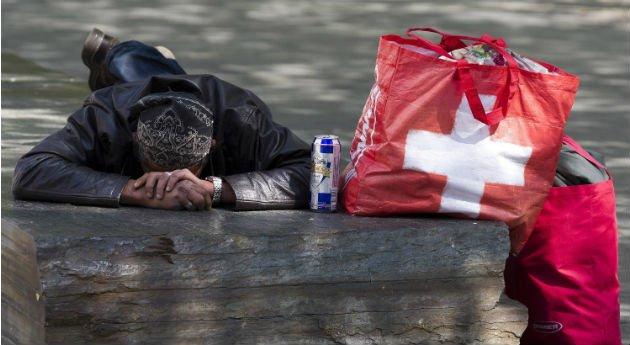 ¿Cómo es ser pobre en Suiza?. Este año el gobierno federal finalmente decidió atacar el tabú al lanzar un programa de prevención y lucha contra la pobreza