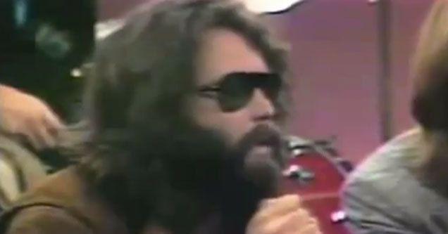 Mira a Jim Morrison adivinar el ascenso de la música electrónica