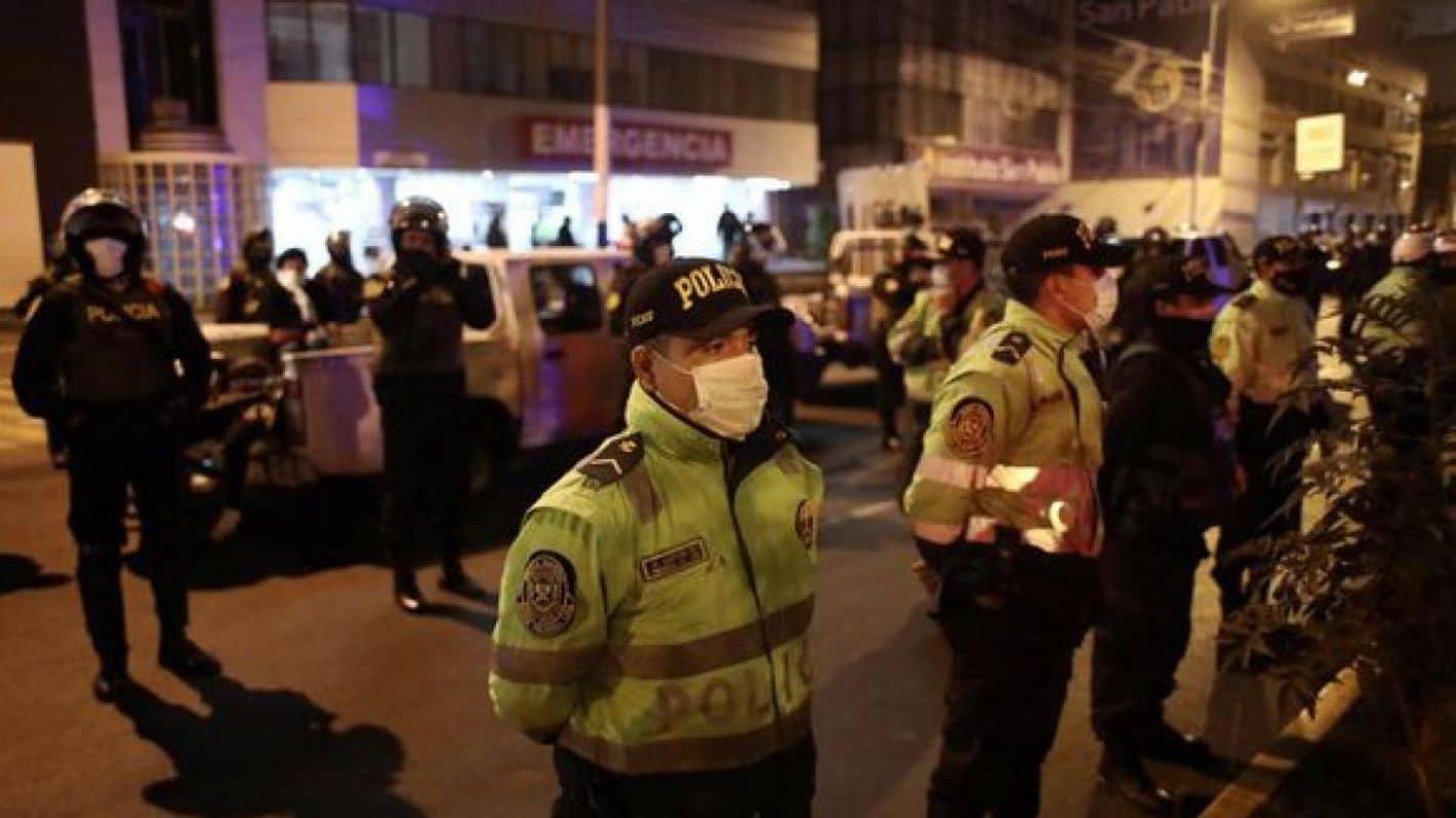COVID-19: Al menos 13 mueren aplastados mientras la policía Peruana allana fiesta clandestina del club