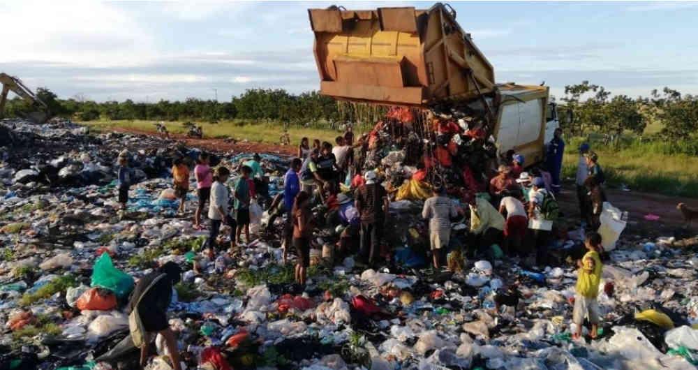 Los indígenas Amorúa y las comunidades Sikuani COLOMBIANAS sobreviven con la basura