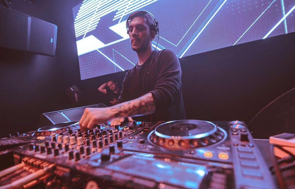 El DJ local HASSIO presenta su sello Art Pervert Studios con EP incluido