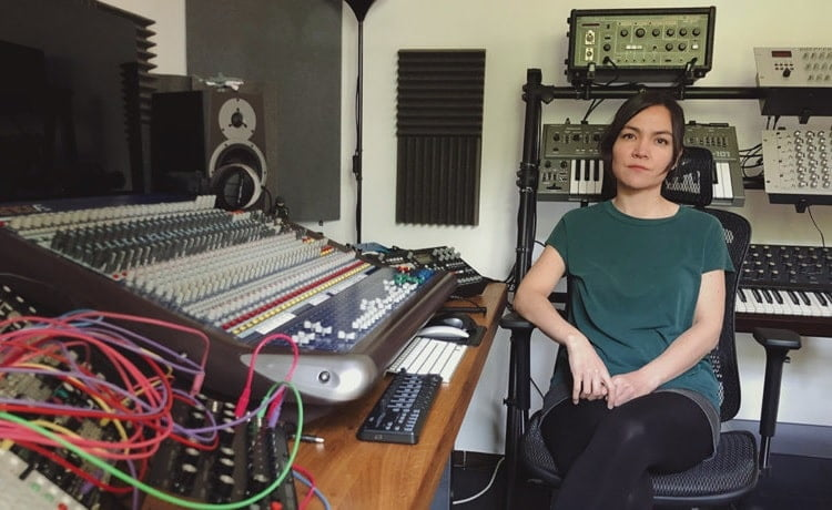 Adriana Lopez, Cosmin TRG y más se suman al 'We Are Not Alone Pt. 3' de Ellen Allien