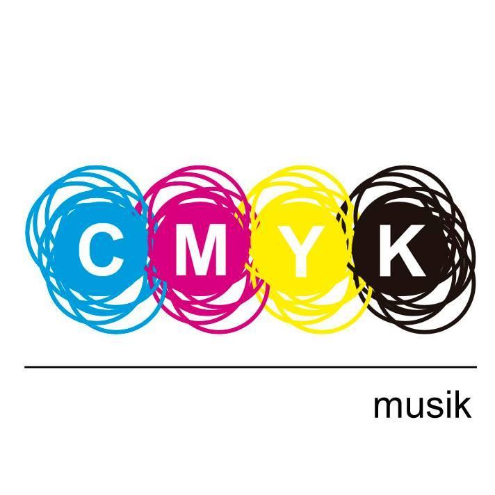 Alex Under convierte CMYK Musik en Foundation