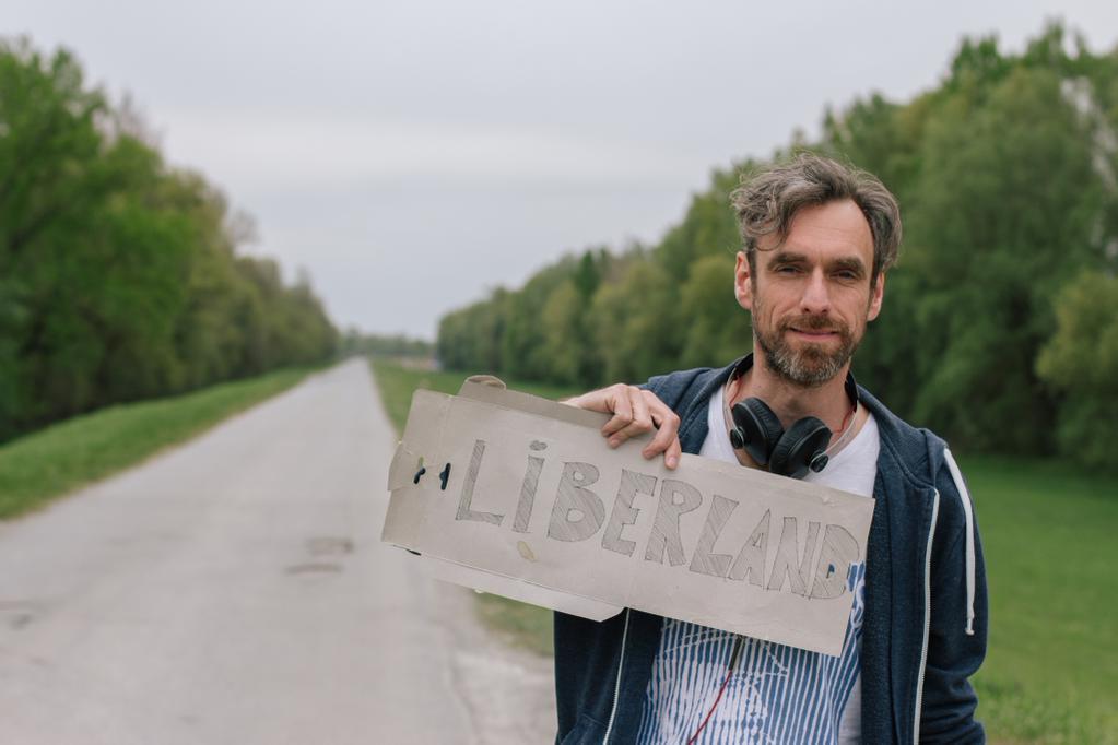 """Hay un nuevo país: Liberlandia, una isla entre Croacia y Serbia para """"Vivir y Dejar Vivir"""""""