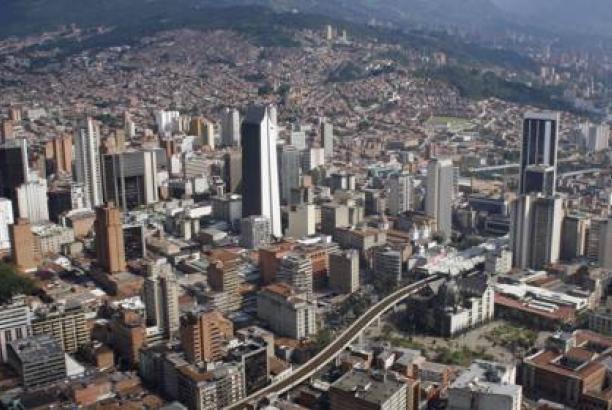 Harvard premia a Medellín