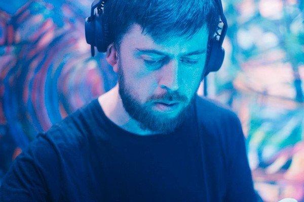 Proto electro, body music y más en el debut de Chris Mitchell en el sello bogotano Pildoras Tapes