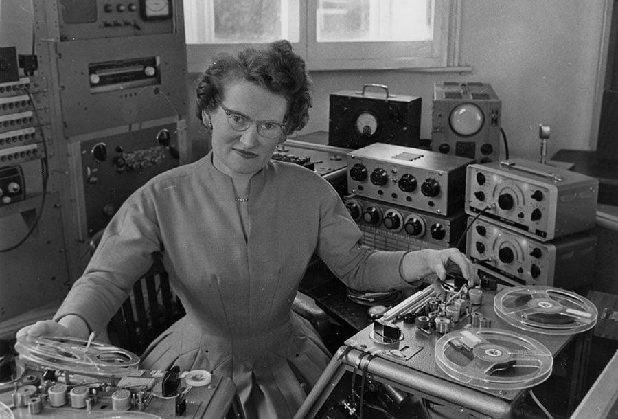 Pioneras: 7 mujeres esenciales para el Desarrollo de la Música Electrónica