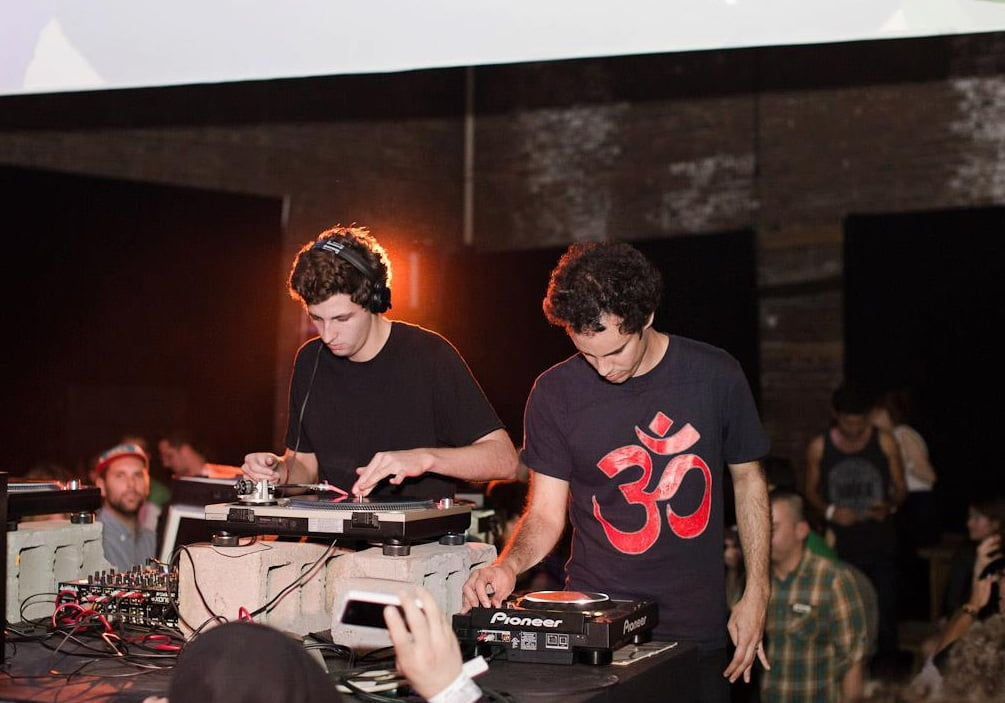 Escucha el Essential Mix de Four Tet & Jamie xx