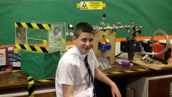 Jamie Edward el joven cientifi 54402840227 53699622600 601 341