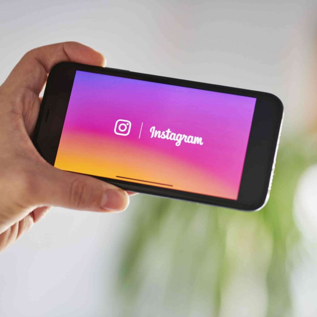 Facebook espia sin permiso usuarios en Instagram a través de las cámaras