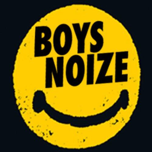 Listening Chromeo – Sexy Socialite Boyz Noise