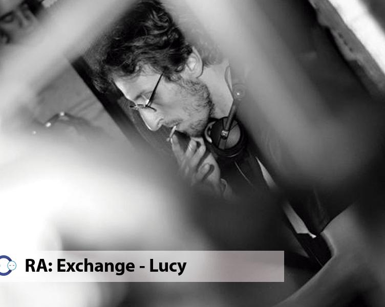 Lucy pasa por RA Exchange