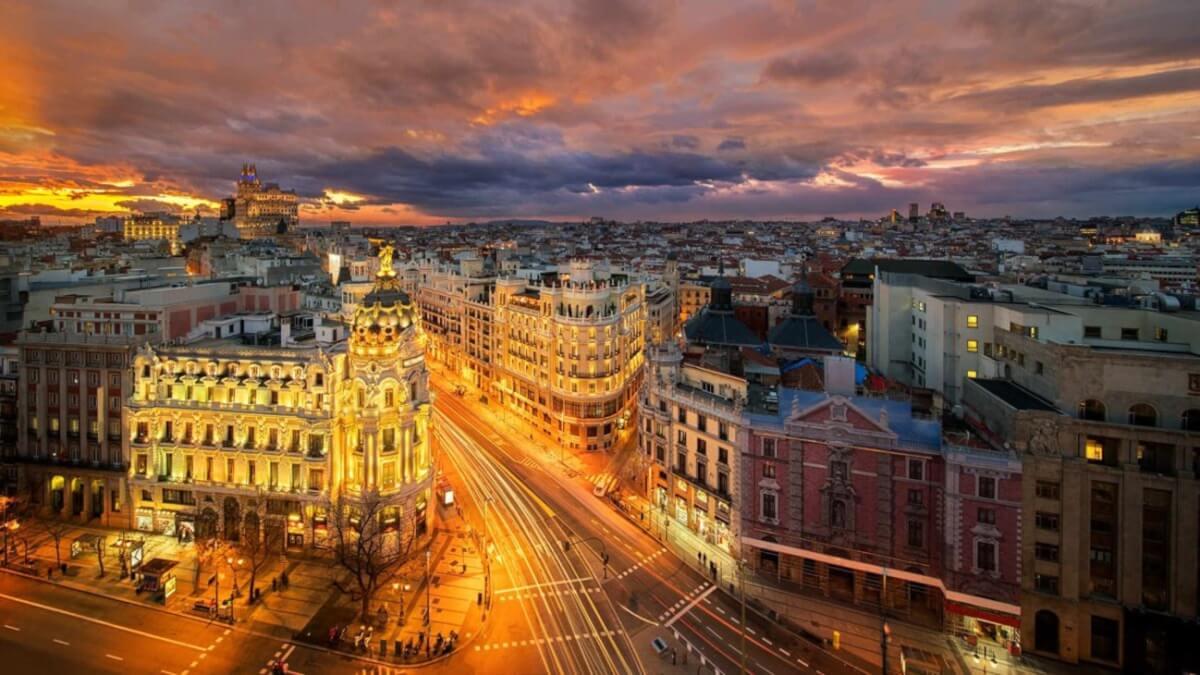 Madrid permite abrir las discotecas con su aforo al 40%
