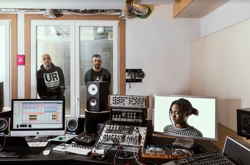 Modeselektor prosigue su serie Extended remix invitando a Richard Devine, Bored Lord y más