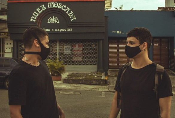 Premiere: Escucha 'Sometamos' de SLRSCT en Artificio