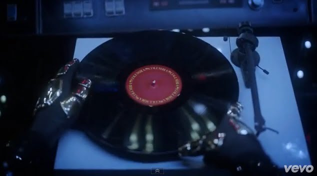 Video: Daft Punk - Random Access Memories Unboxed