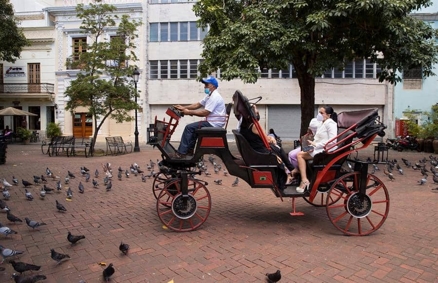 República Dominicana cambia los coches de caballos por carruajes eléctricos