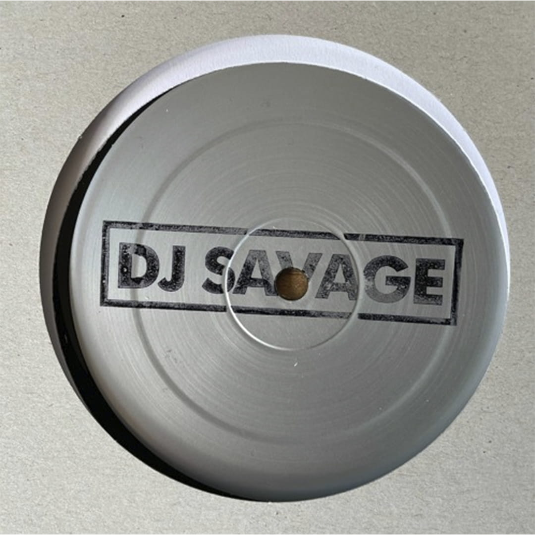 El productor griego DJ Savage está de vuelta en Tar Hallow