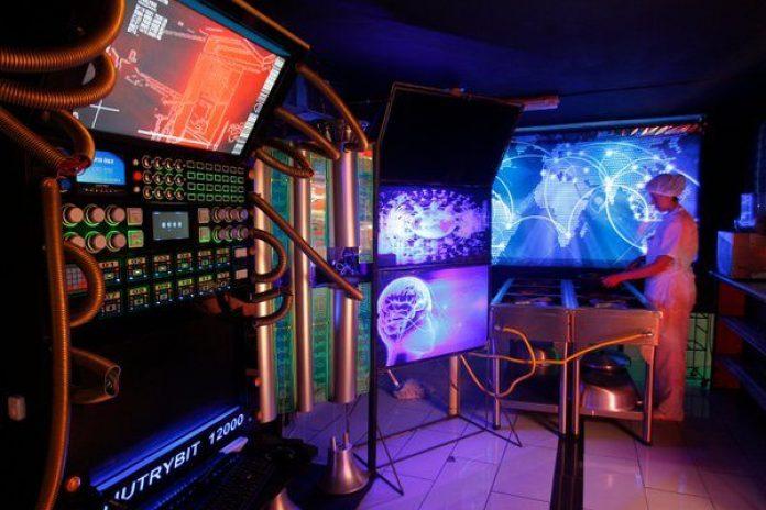 Cyberpunk en Medellín... En el centro hay un Restaurante con Autobots... Ya fuiste ?
