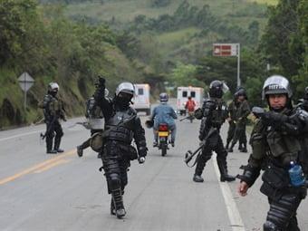 En Bogota Alcaldia ordena a Policía no usar la fuerza para reprimir conflictos sociales