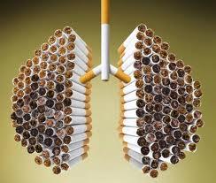 Fumar al levantarse aumenta las posibilidades de cancer en un 50%