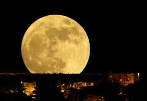 """Este domingo se podrá ver una """"Super Luna"""""""