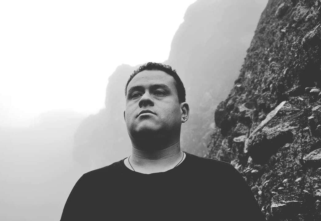 MACNIUS presenta reciente podcast para Outer Dimension