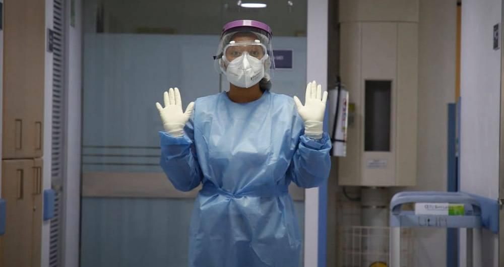 Sociedades médicas piden al gobierno cuarentena estricta con política social