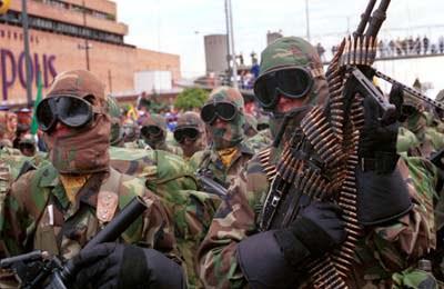 Suspende diálogos con campesinos y militarizan a Colombia
