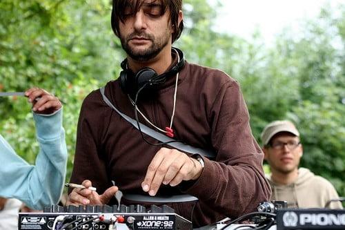 MP3: Ricardo Villalobos - Exclusive Mix 27-02-2012