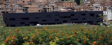 san-cristobal-parque-biblioteca-620x250-20102011