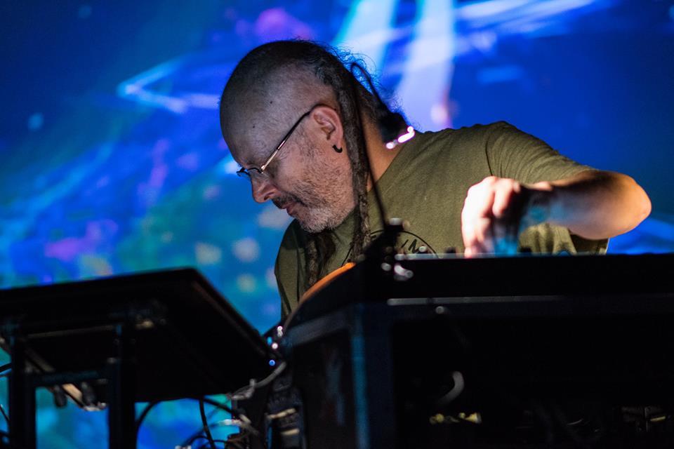 STEEVIO corrobora porqué es el maestro del modular Techno en Zephyr EP