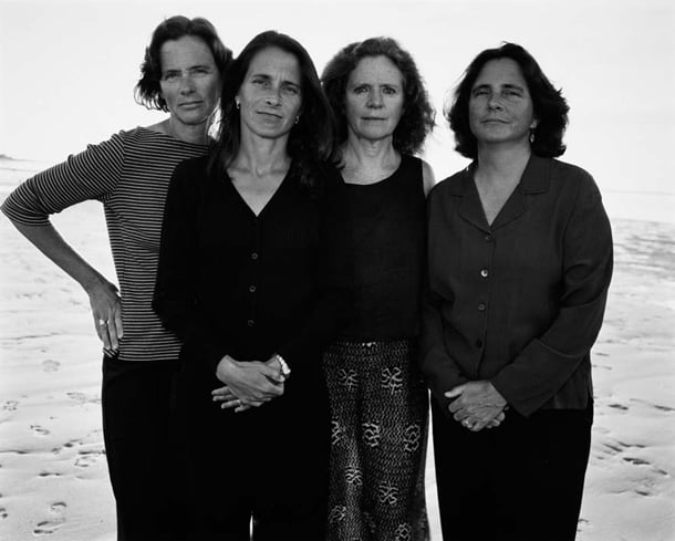 the-brown-sisters-take-photo-every-year-for-36-years-27