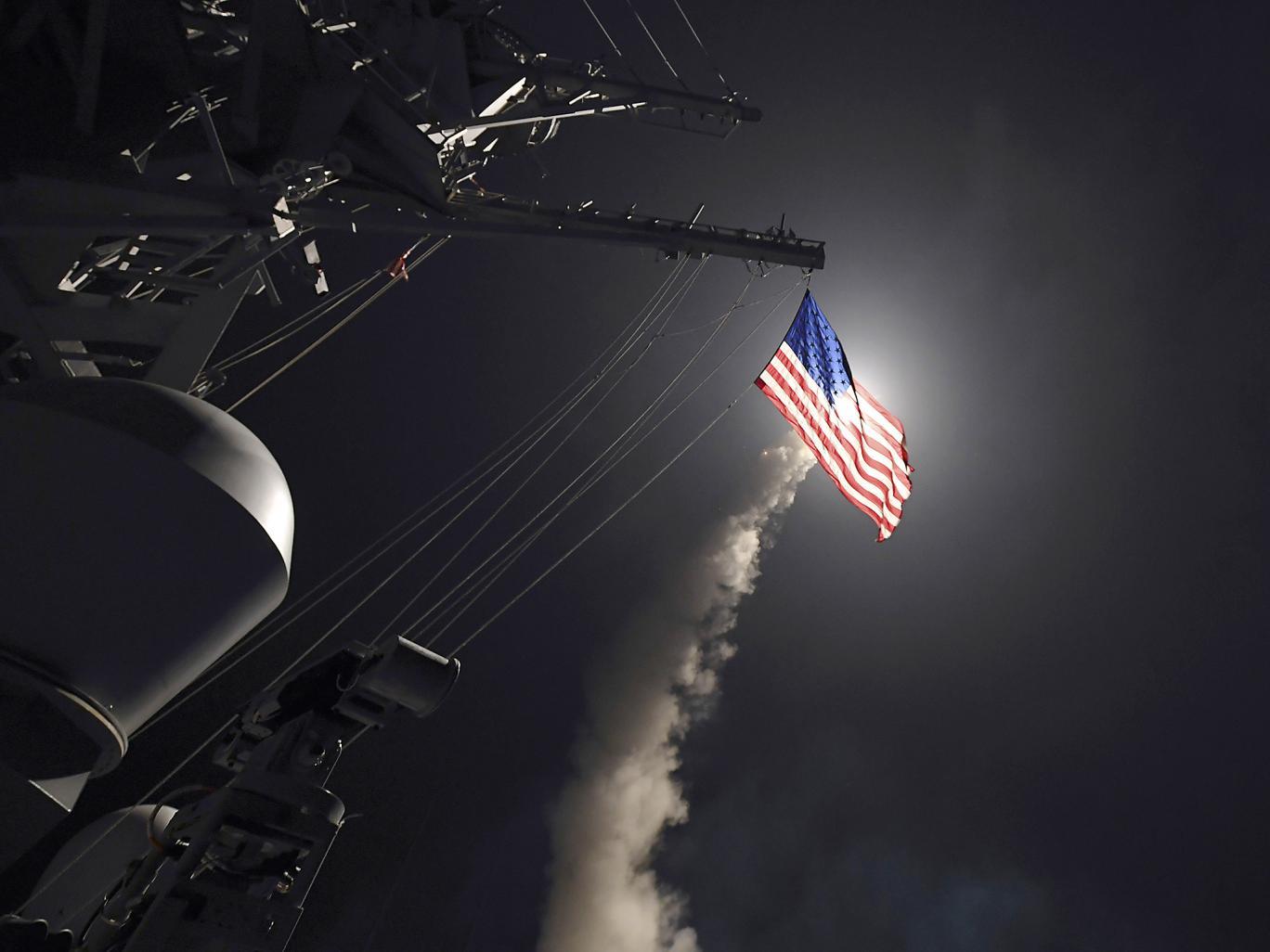 Estados Unidos mata a 4 niños y 70 personas con el ataque de los 56 Tomahawk avaluados en 1.5M cada uno